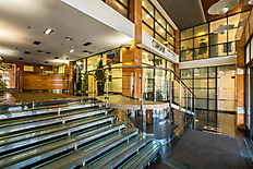 Oscar hall 4